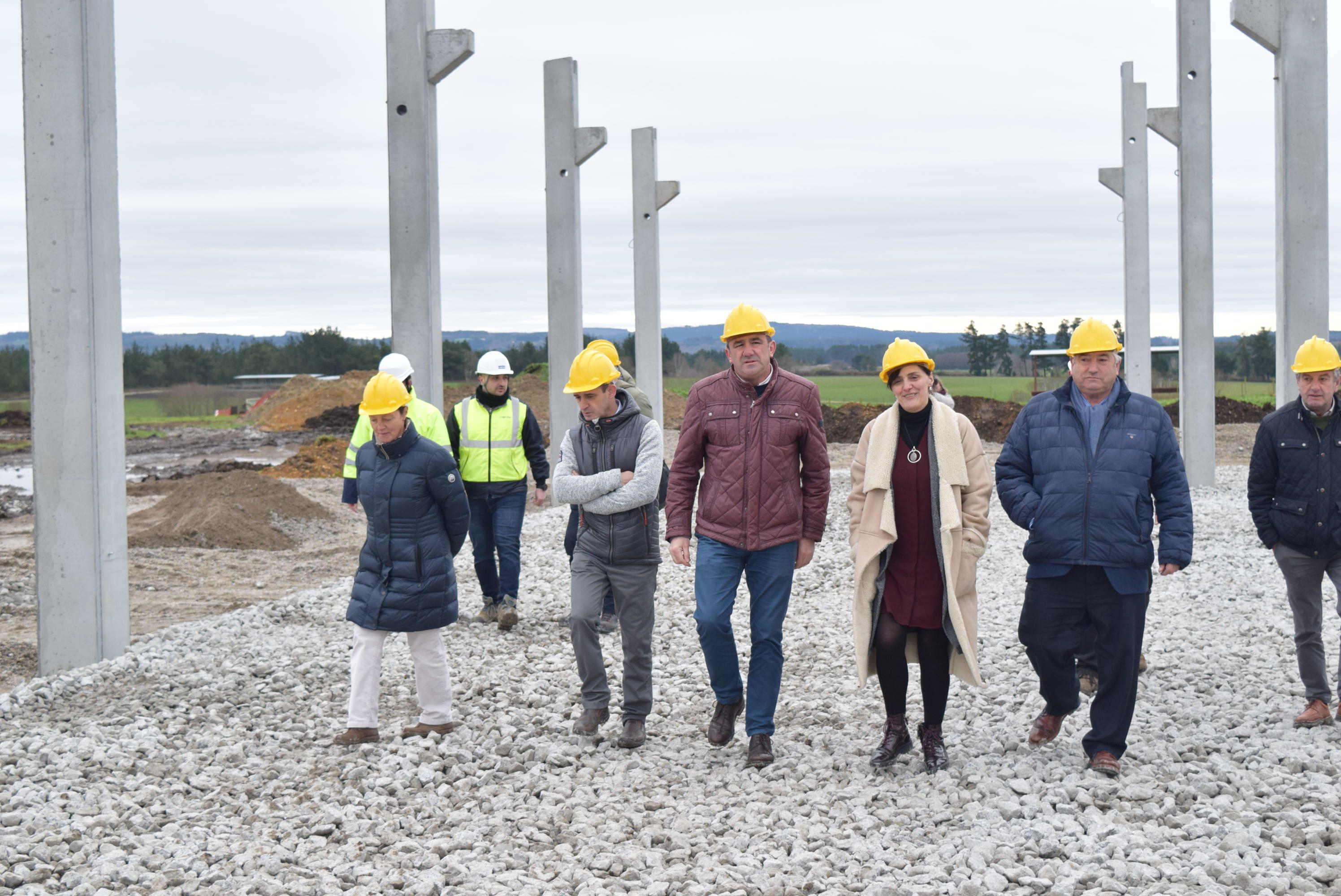 Supervisión das obras do 1º centro de investigación láctea da provincia