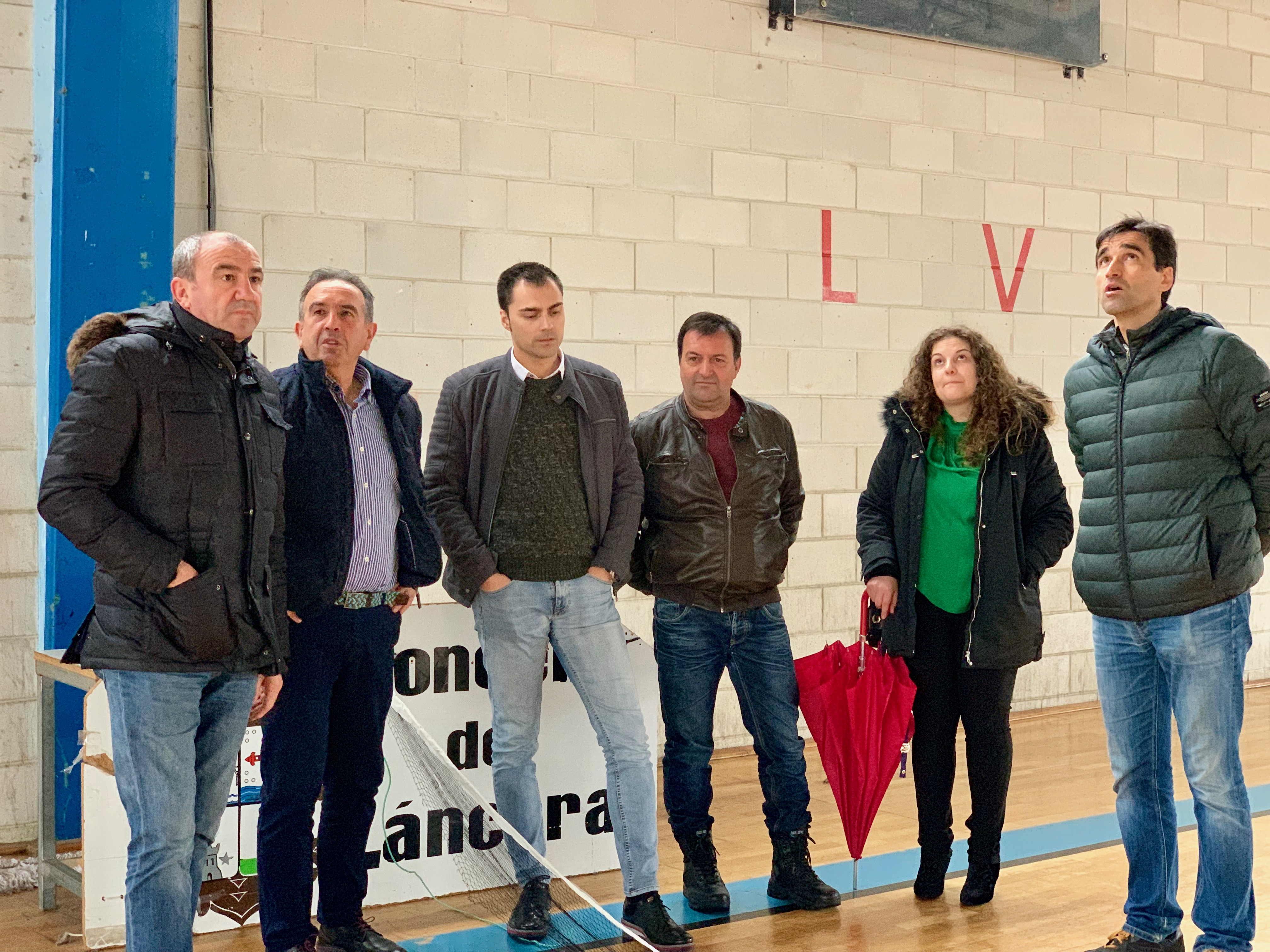 60 nenos das escolas deportivas de Láncara contarán cun pavillón renovado coa achega de 80.000 euros da Deputación