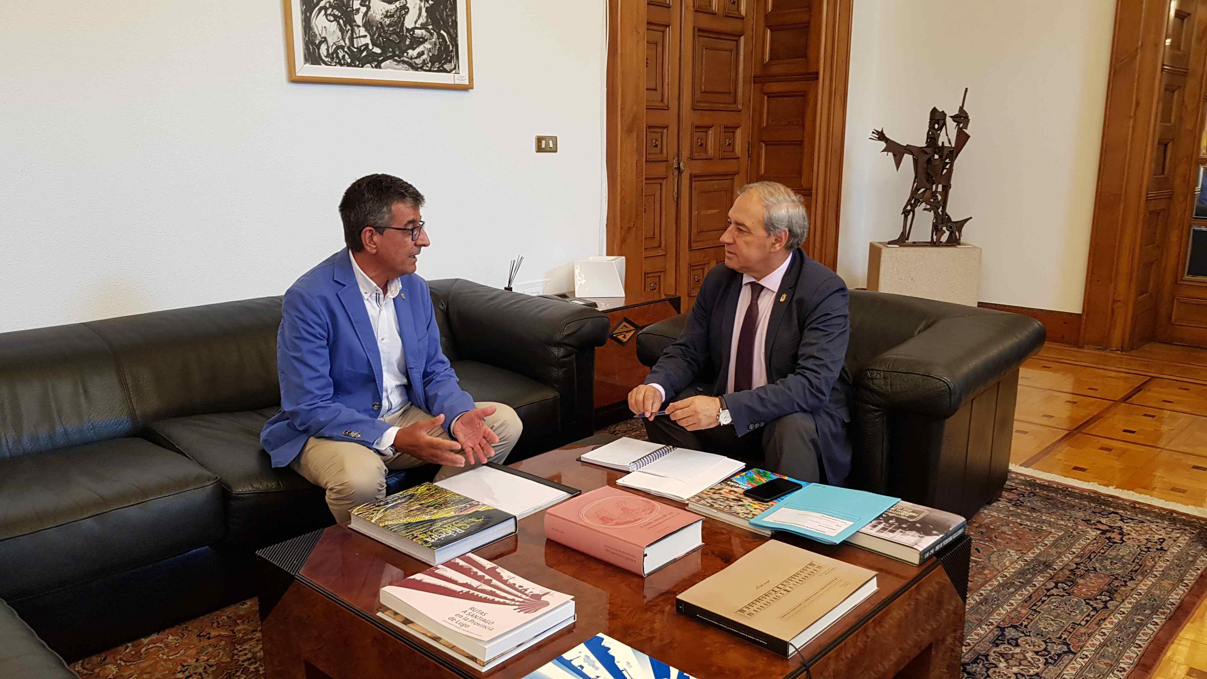 Reunión do Presidente da Deputación, José Tomé co Alcalde de Sober, Luis Fernández Guitián.